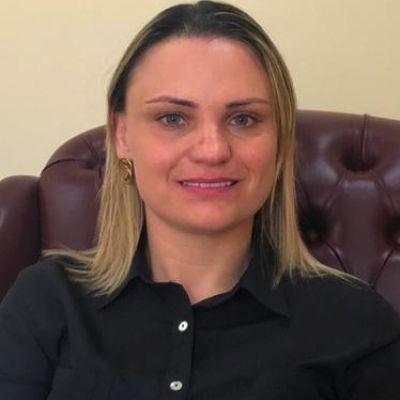 Dra. Gisele Bartz De Ávila - Pelotas